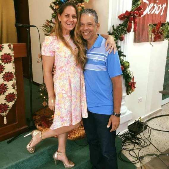 Alvin Rosario Osorio y esposa