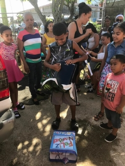 FundacionBpB_20171209-SanIsidro_Canovanas-regalosNavidadyFiestaSorpresa44