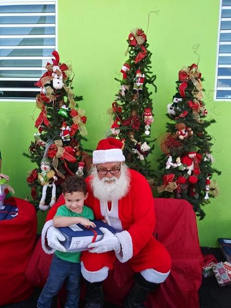 Fund-Bendecidos-Para-Bendecir_201812_navidad-cajas-regalos-para-ninos-01