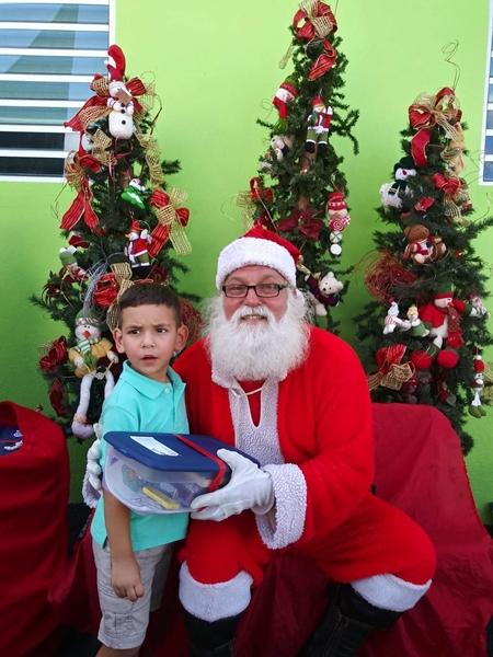 Fund-Bendecidos-Para-Bendecir_201812_navidad-cajas-regalos-para-ninos-02