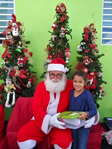 Fund-Bendecidos-Para-Bendecir_201812_navidad-cajas-regalos-para-ninos-03