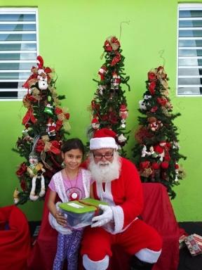 Fund-Bendecidos-Para-Bendecir_201812_navidad-cajas-regalos-para-ninos-13