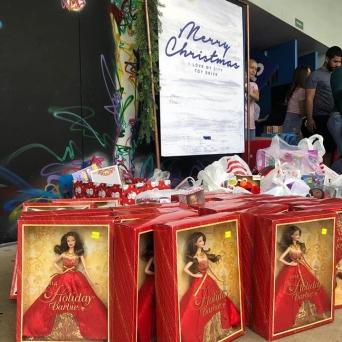 Fund-Bendecidos-Para-Bendecir_201812_regalos-a-Vous-Church-Miami-01
