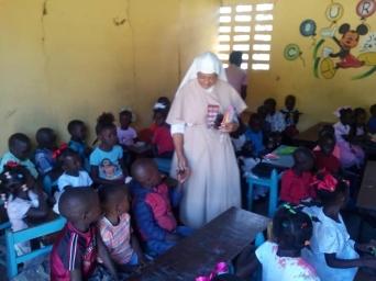 Fund-Bendecidos-Para-Bendecir_201902-Dispensaario-Siervas-Maria-Haiti-06