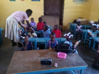 Fund-Bendecidos-Para-Bendecir_201902-Dispensaario-Siervas-Maria-Haiti-08