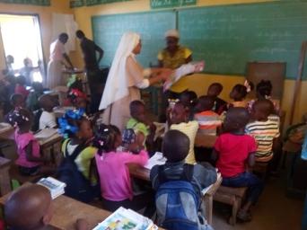 Fund-Bendecidos-Para-Bendecir_201902-Dispensaario-Siervas-Maria-Haiti-09