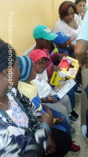Fund-Bendecidos-Para-Bendecir_201903-Dispensario-Siervas-Maria-Haiti-StoDgo-04