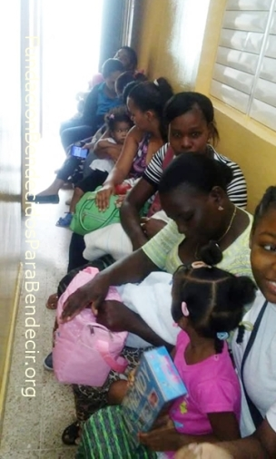 Fund-Bendecidos-Para-Bendecir_201903-Dispensario-Siervas-Maria-Haiti-StoDgo-05