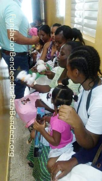 Fund-Bendecidos-Para-Bendecir_201903-Dispensario-Siervas-Maria-Haiti-StoDgo-13