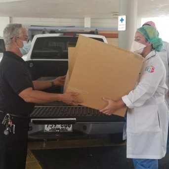 caja-acrilico-intubacion_FundBendecidosparaBendecir-10