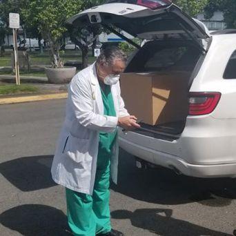 caja-acrilico-intubacion_FundBendecidosparaBendecir-24