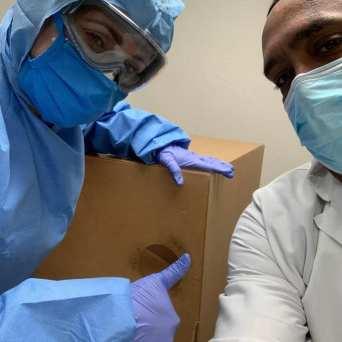 caja-protectora-acrilico-_FundBendecidosparaBendecir-32